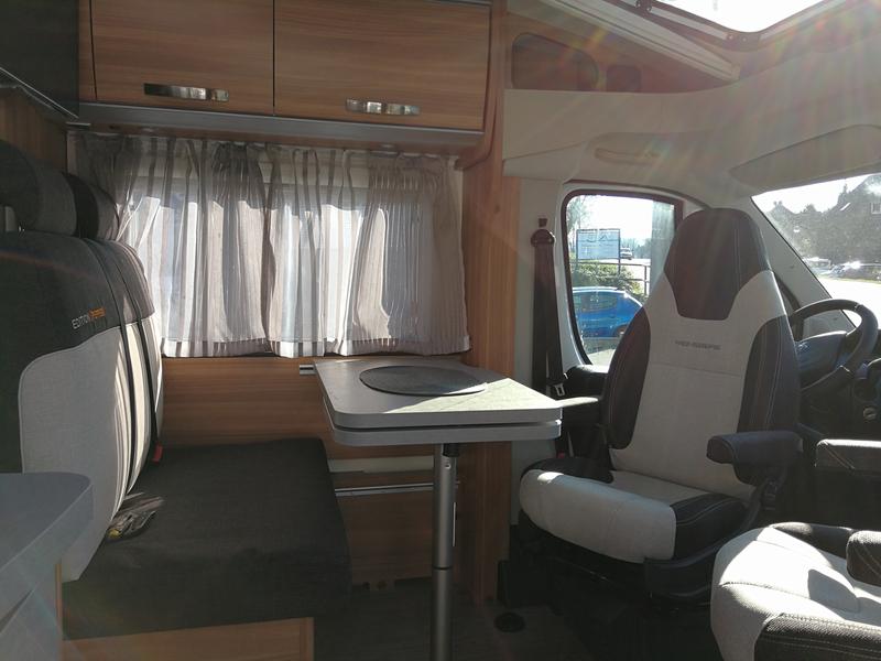 weinsberg 600 me pepper. Black Bedroom Furniture Sets. Home Design Ideas